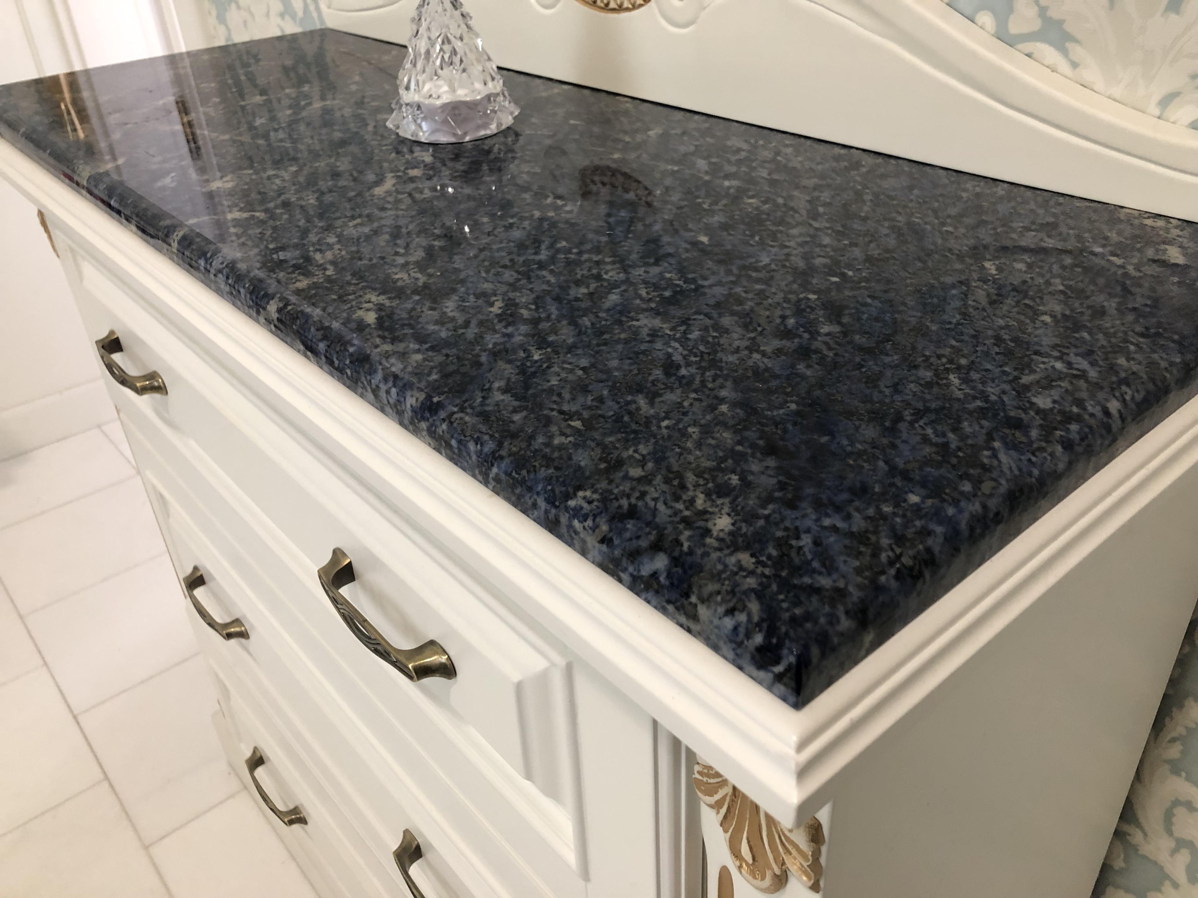 Lapis Lazuli Gránit x2cm vastagság, kerekített élmegmunkálással, tükörfényes felülettel