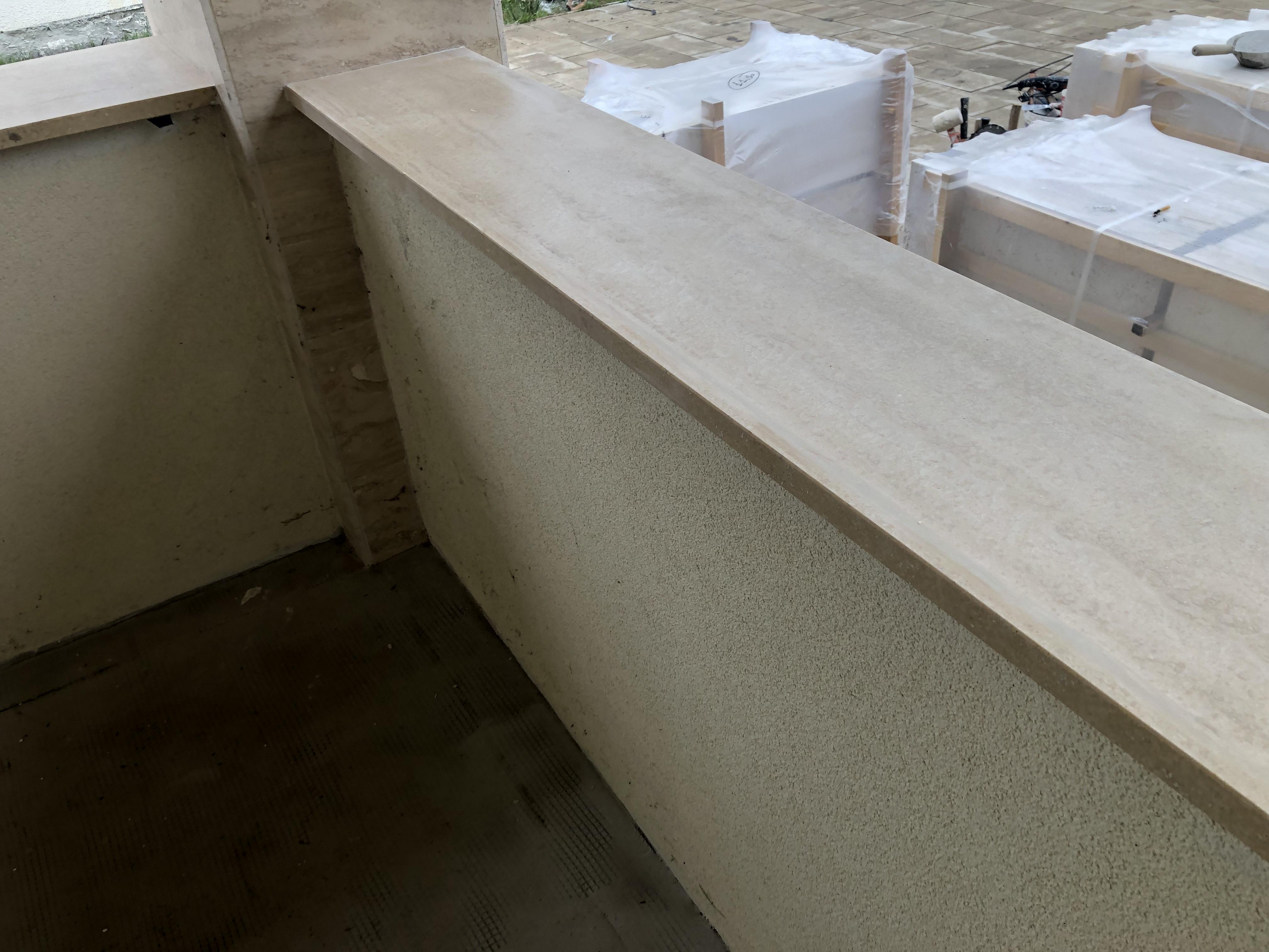 3cm vastagságú matt travertin terasz fedlap