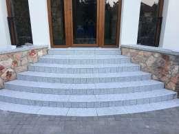 Gránit lépcső <br>Családi ház