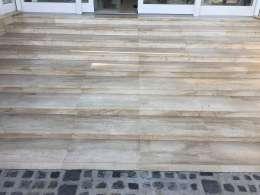 Mészkő lépcső terasz, családi ház
